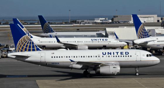 pokerspiller fly United Airlines